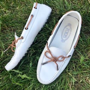 Tod's white driving loafers size 7